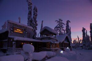 Tankavaaran Kultakylä Restaurant Reception Winter Veera Paakkonen Visit Sompio